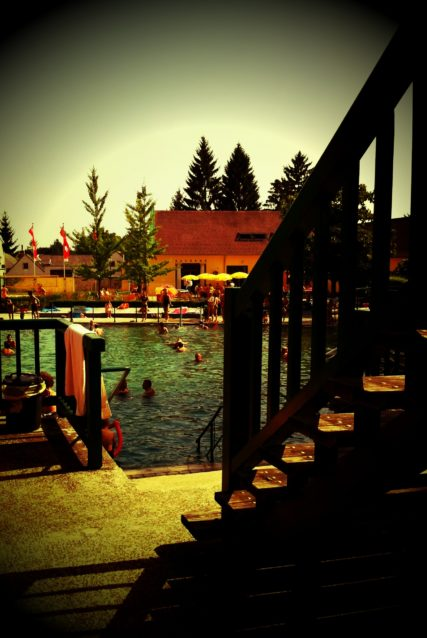 juli2011  303 427x638 - Bad Fischauer Thermalbad: Schwimmen, wo schon die Römer und Kelten gebadet haben ...