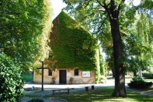 Muthmannsdorf011011 009 300x200 - Bauwerke & Kirchen