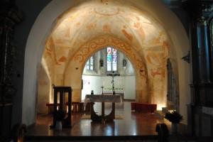 Muthmannsdorf, Volksaltar und romanische Fresken