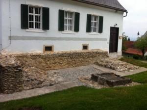 Frauenberg 010 300x224 - Der Isistempel am Frauenberg