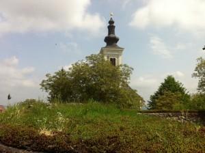 Blick von der Apsis zur Wallfahrtskirche