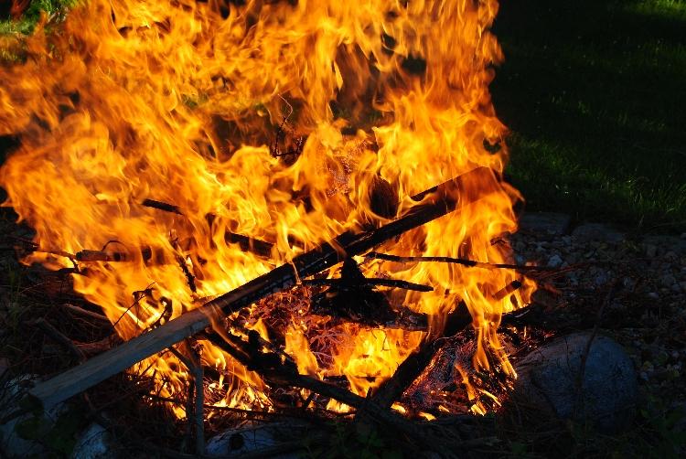 Feuerbilder 002 - Sommersonnenwende - Mittsommer: Rituale allein und in der Gruppe