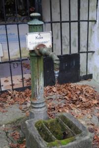 Bruendl Graslhoehle Nov15 006 201x300 - Das traurige Ende von Maria Dreieichen?