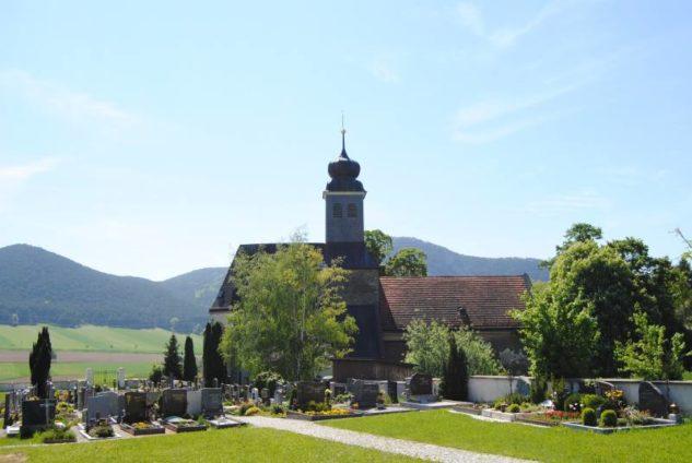Kirche MuMaDo2012 049 633x424 - St. Peter am Moos - die Pfarrkirche von Muthmannsdorf