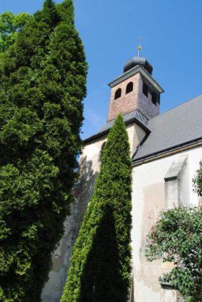 Kirche MuMaDo2012 062 293x438 - St. Peter am Moos - die Pfarrkirche von Muthmannsdorf