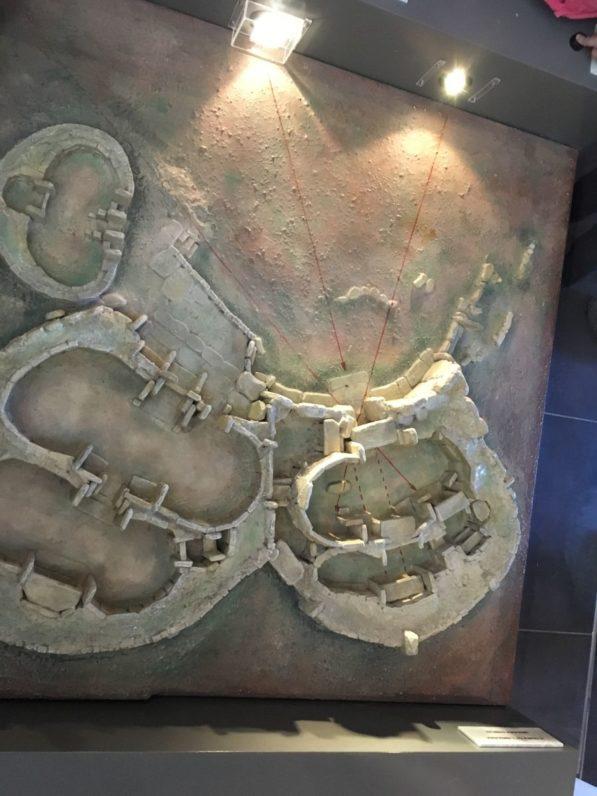 MaltaGozo Mnjadra 049 597x796 - Auf Göttinnenspuren in Malta & Gozo - Rückblick 2/3: die Tempel