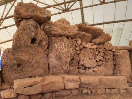 MaltaGozo Mnjadra 063 444x333 - Auf Göttinnenspuren in Malta & Gozo - Rückblick 2/3: die Tempel