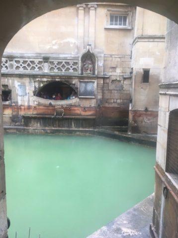 img 4127 358x478 - Bath & Shower - mit dem Käsehobel in England