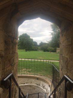img 4388 244x326 - Chalice Well, eine bezaubernde Kapelle und ein magischer Garten - mit dem Käsehobel in England