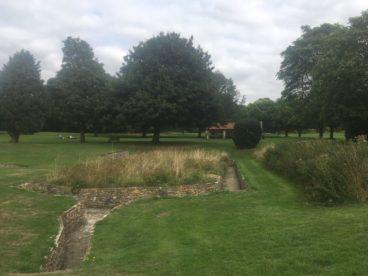 img 4410 368x276 - Chalice Well, eine bezaubernde Kapelle und ein magischer Garten - mit dem Käsehobel in England