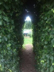 img 4411 207x276 - Chalice Well, eine bezaubernde Kapelle und ein magischer Garten - mit dem Käsehobel in England