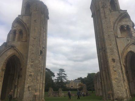 img 4417 445x333 - Chalice Well, eine bezaubernde Kapelle und ein magischer Garten - mit dem Käsehobel in England