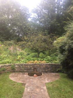 img 4560 250x333 - Chalice Well, eine bezaubernde Kapelle und ein magischer Garten - mit dem Käsehobel in England