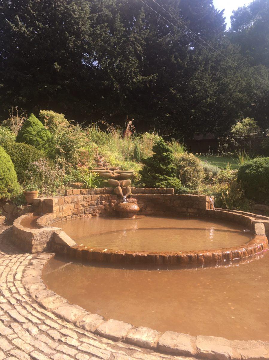 img 4568 - Chalice Well, eine bezaubernde Kapelle und ein magischer Garten - mit dem Käsehobel in England
