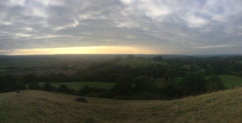 TorEngland2018 008 486x247 - Gog, Magog und ein magischer Sonnenuntergang am Tor - mit dem Käsehobel in England