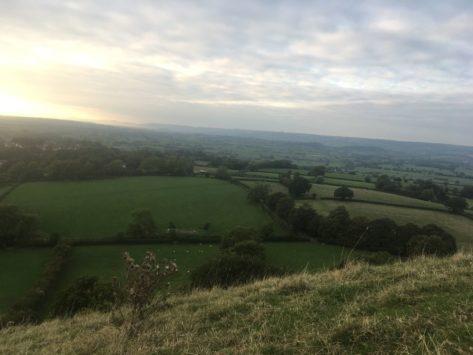 TorEngland2018 029 473x355 - Gog, Magog und ein magischer Sonnenuntergang am Tor - mit dem Käsehobel in England
