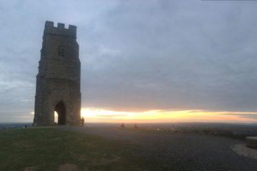 TorEngland2018 045 373x248 - Gog, Magog und ein magischer Sonnenuntergang am Tor - mit dem Käsehobel in England