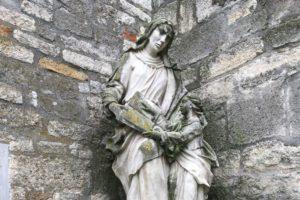 steinmetzmeisterin 001 300x200 - Rituale, Kult & Brauchtum